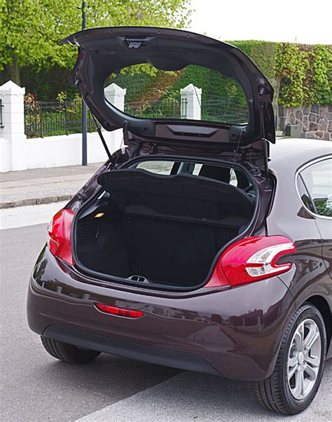 peugeot 208 trunk first test peugeot 208 pr 248 vek 248 rsel