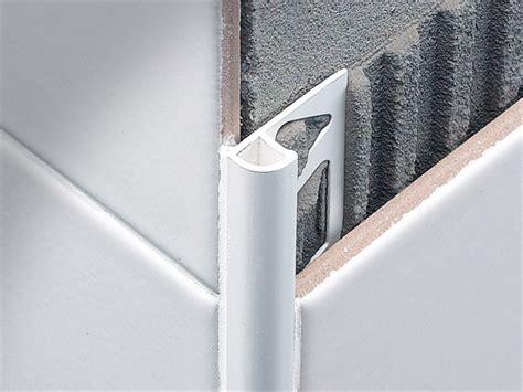 angolari per piastrelle come posare le piastrelle sui bordi e negli angoli le