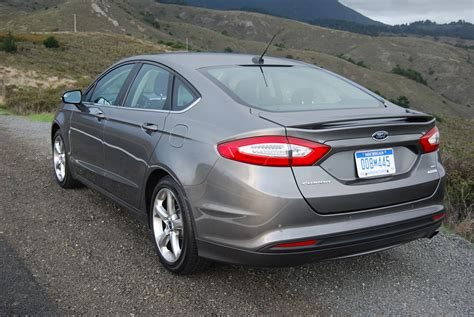 Ford Fusion 2013 Se 2013 ford fusion se review car reviews and news at