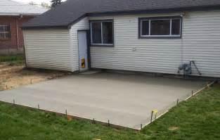 plain concrete patio home design roosa
