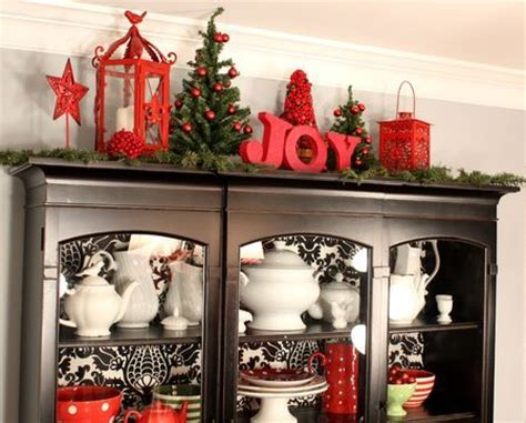 curio cabinet decorating ideas 61 best images about china cabinet on pinterest china