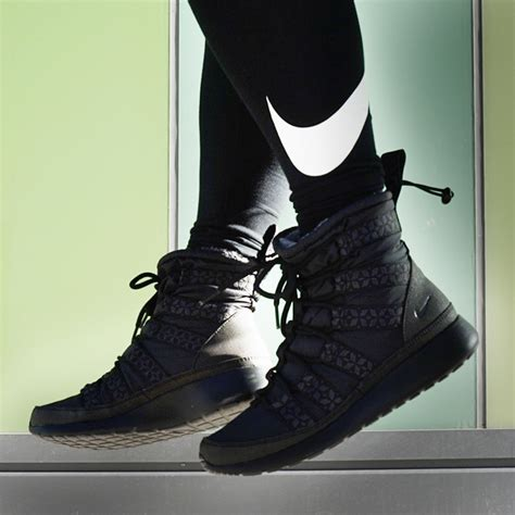 nike sneaker boots not just for the nike roshe run hi sneakerboots