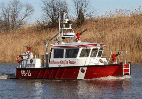 fire boat sinks update fireboat hits rocks sinks in delaware river