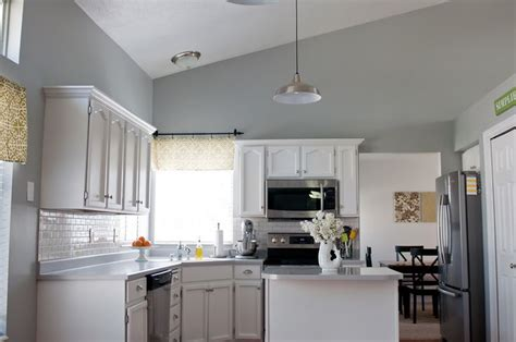 argos kitchen cabinets sherwin williams argos gray walls cabinets painted white