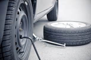 Car Tire Won T Stay Inflated How To Change A Tire 7 Tips To Get Rolling Again