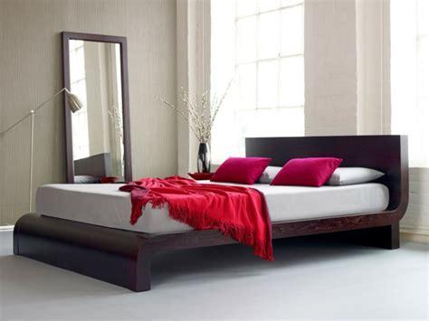 Kleiderschrank Kleine Räume by Schlafzimmer Goldfarbe