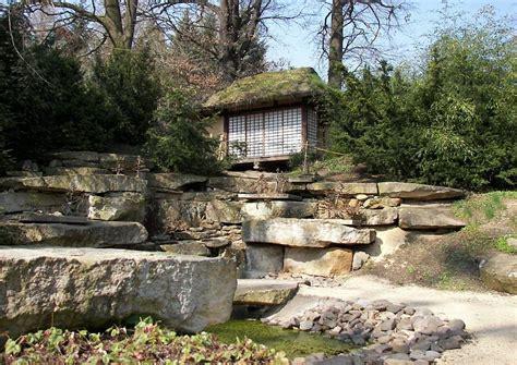 japanischer garten hang japanische teezeremonie teehausgarten warteplatz