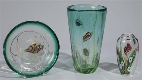 orient flume and murano glass vases and shallow dish