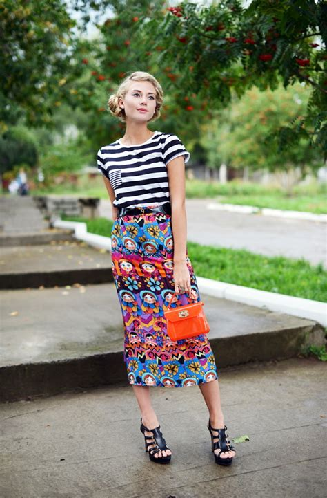 what shoes to wear with midi printed skirts fashion