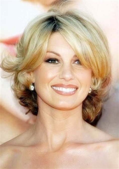 medium shaggy hairstyle for women over 40 modern shag haircuts for women over 40 short hairstyle 2013