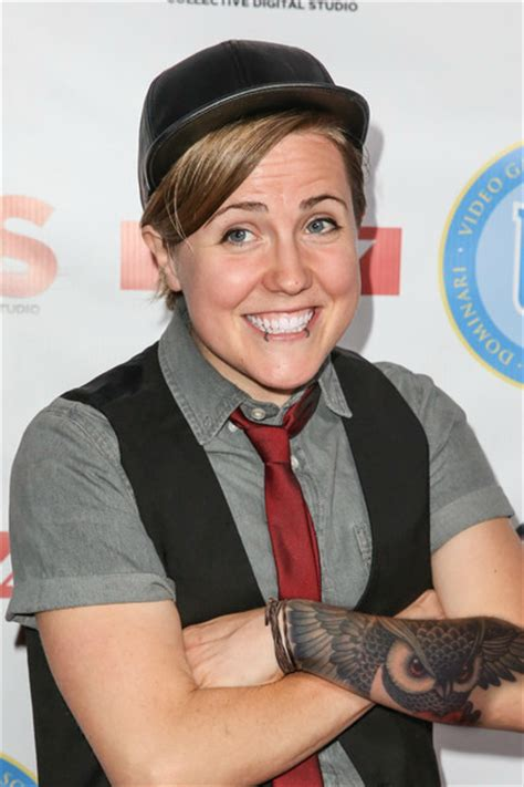 hannah hart tattoo hartbig forever hart with tattoos