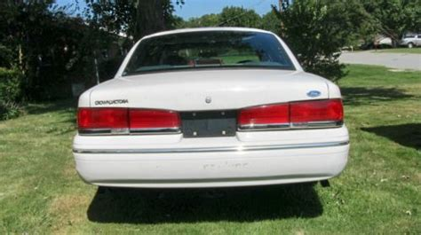books about how cars work 1997 ford crown victoria parental controls buy used 1997 ford crown victoria low mileage runs great everything works v 8 auto trans in