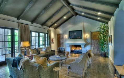hilary duff puts toluca lake house  sale