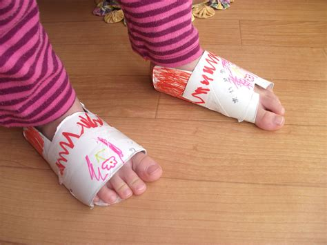 Recycled Toilet Paper Roll Crafts - preschool crafts for recycled toilet paper roll