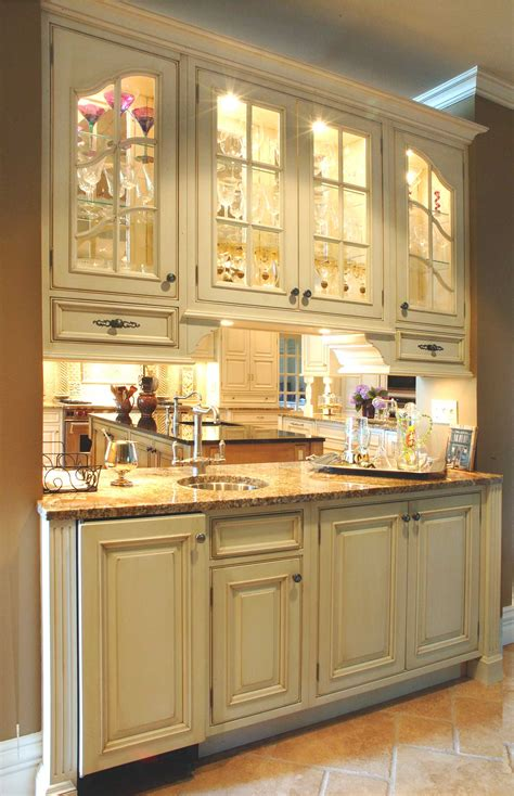 How To Choose Kitchen Cabinets by How To Choose The Cabinets For Your Kitchen