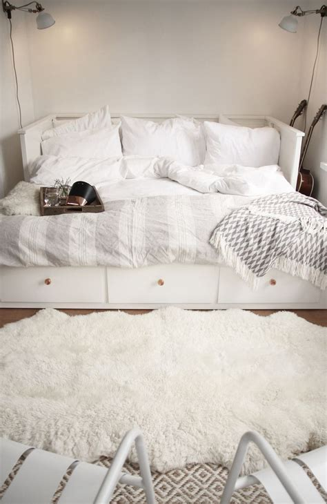 140 best make day bed images on pinterest top 25 best ikea daybed ideas on pinterest white daybed