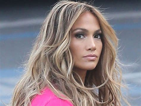 Jennifer Lopez?s Hair On ?American Idol? ? Rocks Stunning