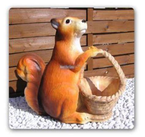 eichhörnchen in der wohnung eichh 246 rnchen als gartenfigur figur garten deko kaufen