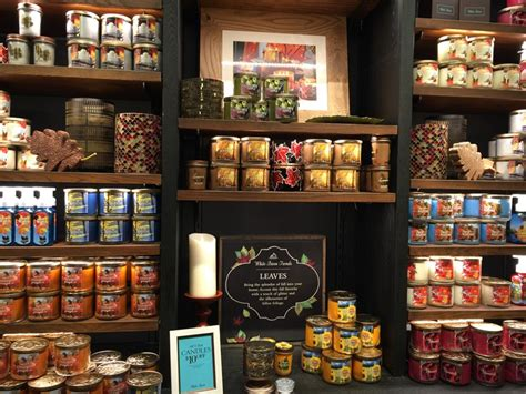 White Barn Candle Tuttle Mall by White Barn Fall 2016 Candles In Store Musings Of A Muse