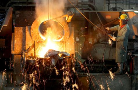 backyard aluminum smelter missouri regulators oppose noranda s rate reduction