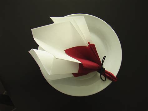Serviette Origami - pliage serviette d 233 coration table bouquet de printemps