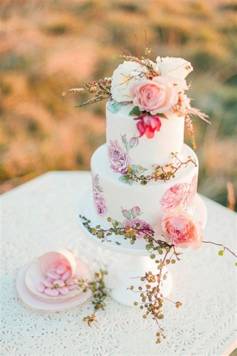 Flower Wedding Cakes by 27 Eye Popping Painted Wedding Cakes For 2016