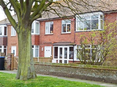 Cottage To Rent In Kent by Cottages In Minnis Bay Apartments Alpha Lettings