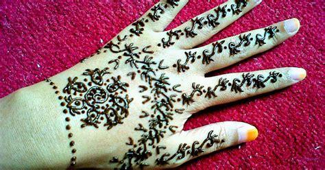 moshi moshi henna