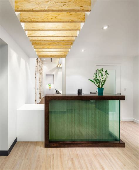 Front Reception Desk Designs 17 Best Ideas About Spa Reception On Spa Reception Area Front Desk And Salon