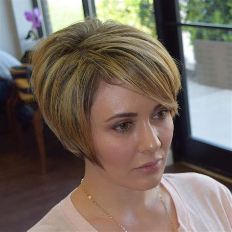 angled away from hairstyles 40 modern layered bob haircuts for any occasion
