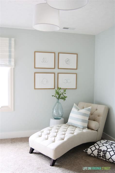 paint colors for small area 25 best ideas about bedroom seating on