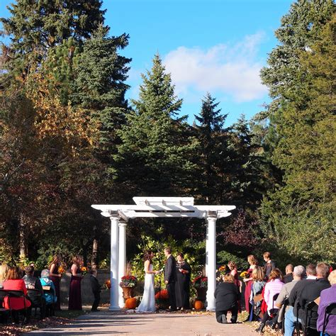 Gardens Of Castle Rock Beautiful Minnesota Fall Wedding The Gardens Of Castle Rock