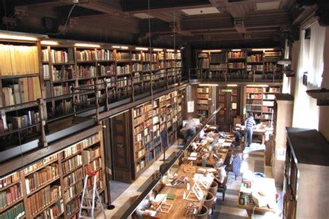 libreria scolastica napoli location services