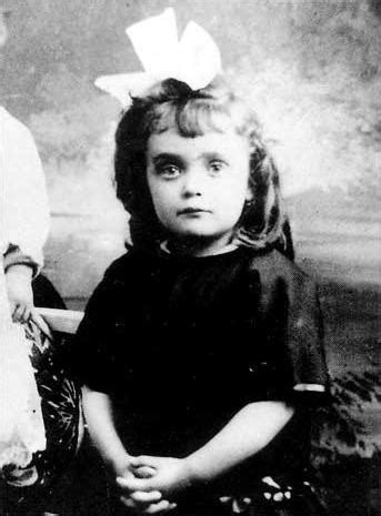 movie biography edith piaf edith piaf here as a child c 1918 her life story movie