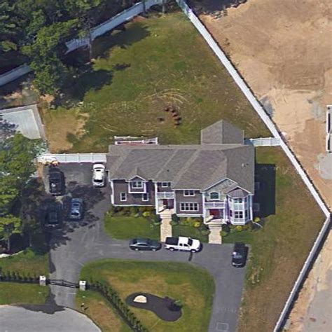 robbing houses rob gronkowski s house in foxborough ma google maps 2