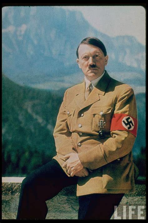 film perang sit nazi jerman foto potret outdoor luar studio adolf hitler