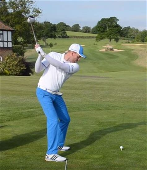 turn back turn through golf swing learn playing golf with these useful golf tips