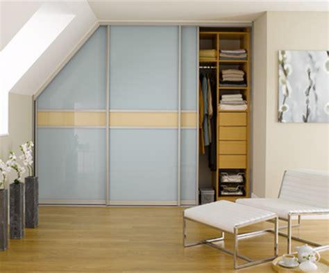 begehbarer kleiderschrank selber bauen begehbarer kleiderschrank dachschr 228 ge tolle tipps zum