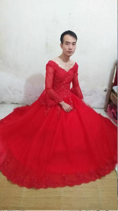 2016 new designer ball gown red wedding dress lace
