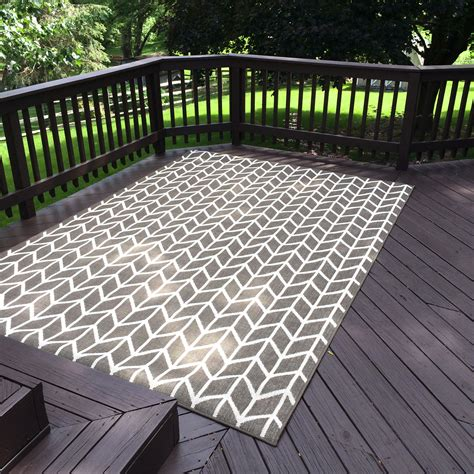 Deck Stain 101 The Perfect Outdoor Couch Deck Diaries Outdoor Deck Rugs