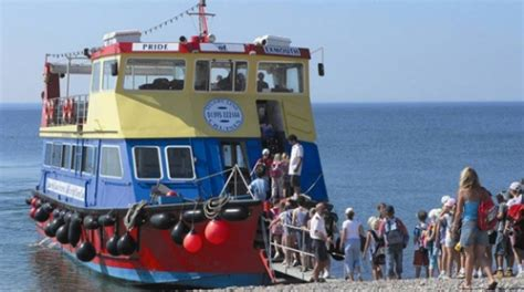 boat trip jurassic coast take a boat trip for the best view of the jurassic coast
