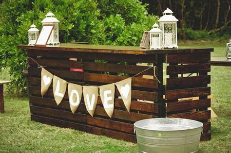 Outside Bar Plans by 39 Insanely Smart And Creative Diy Outdoor Pallet
