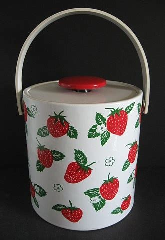 strawberry themed kitchen decor 1000 ideas about buckets on wine