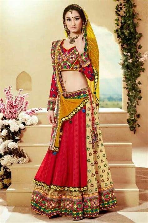 bridal hairstyles on ghagra rajasthani style chania choli wedding styles pinterest