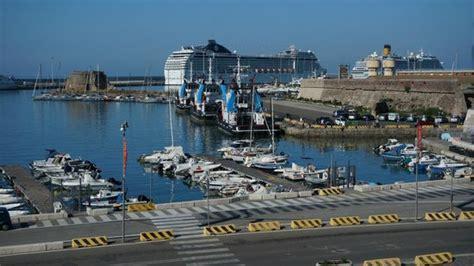 hotel civitavecchia porto port of civitavecchia foto di hotel porto di roma