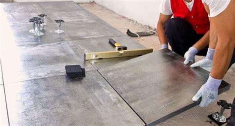 prezzi posa piastrelle al mq costi ristrutturazione casa bagno pavimenti infissi