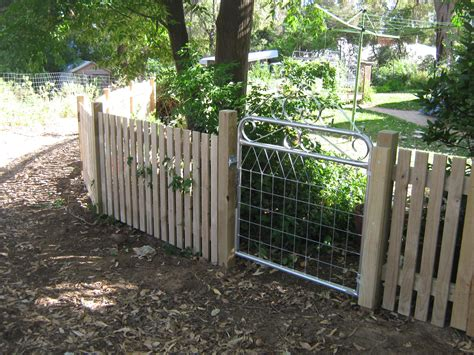 small fence small picket fence kamelot constructions
