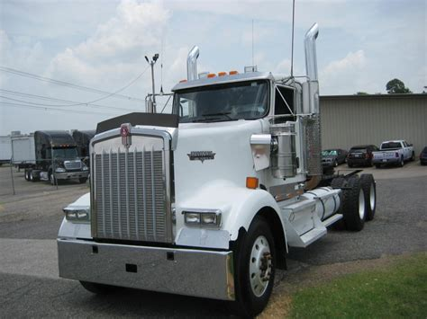2010 kenworth w900l for sale used 2010 kenworth w900l tandem axle daycab for sale in tn