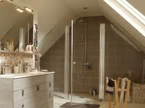 agencement salle de bain sous comble