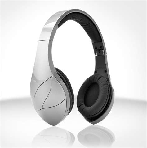 best ear headphones 2013 the coolest trends at ces 2013 the ear headphones